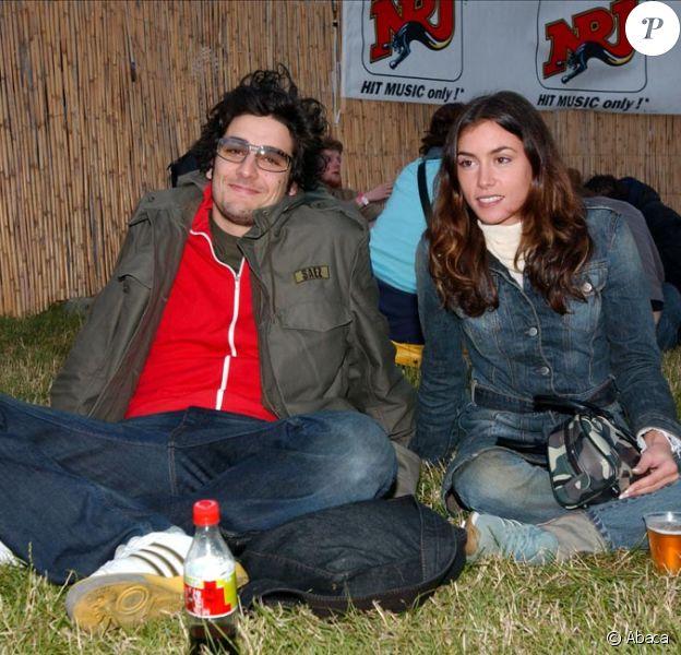 Ex-petit ami d'Olivia Ruiz, Patrice Maktav a fait partie de la comédie musicale Mozart, l'Opéra Rock. Aujourd'hui il tente un retour sur le devant de la scène ! Au festival Solidays à Paris, le 6 juillet 2002.