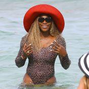 Serena Williams : Féline en bikini léopard, elle oublie l'échec de Roland-Garros