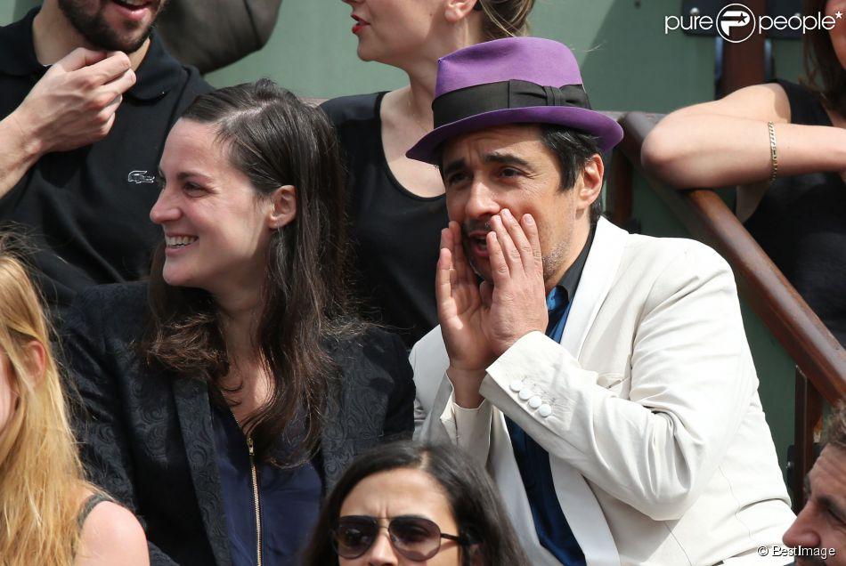 Ariel Wizman et sa compagne Osnath Assayag  aux Internationaux de France de tennis de Roland-Garros à Paris, le 1er juin 2014.
