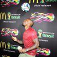 Tyson Beckford assiste à la soirée FIFA World Cup McDonald's, célébrant la sortie du nouveau design de l'emballage des frites et du jeu Peel Play Ole. New York, le 5 juin 2014.