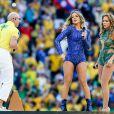 Claudia Leitte, Pitbull et Jennifer Lopez lors de la cérémonie d'ouverture du Mondial 2014 à São Paulo, le 12 juin 2014.