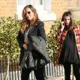 Jade Jagger et sa fille Assisi Jackson, enceintes, arrivent à leur baby shower organisée par Jerry Hall chez elle à Londres, le 15 mars 2014.