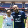 """Jamel Debbouze et Kad Merad - Un """"Charity Game du Marrakech du Rire 2014"""", match de foot caritatif, a été organisé, permettant de reverser 300 000 dirhams (27 000 euros) aux associations """"Al Karam"""" et """"L'Heure Joyeuse"""" le 15 juin 2014."""