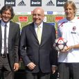 Leonardo, le président du Milan AC Adriano Galliani et Massimo Ambrosini à Milanello, le 6 juillet 2009