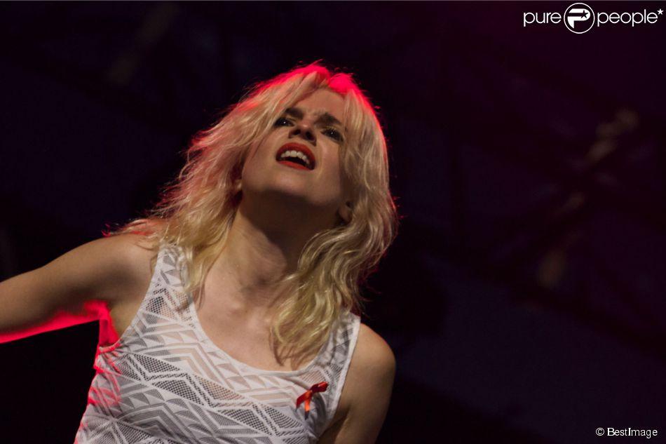 Cécile Cassel et son groupe HollySiz - Festival Solidays 2014 à Paris le 27 juin 2014.