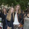 Natalia Vodianova et sa soeur Kristina - Défilé Berluti à l'Ecole des Mines, collection homme printemps-été 2015 à Paris le 27 juin 2014.