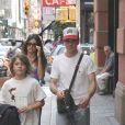 Robert Downey Jr. et son fils Indio, avec son ex-femme Deborah Falconer à New York, le 18 juin 2005.