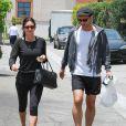 """Courteney Cox et son compagnon Johnny McDaid vont déjeuner au restaurant """"La Scala"""" à Beverly Hills, le 25 juin 2014."""