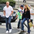 Andre Agassi, sa femme Steffi Graf et leur fils Jaden Gil profitent de la douceur de Vancouver, le 5 juillet 2014