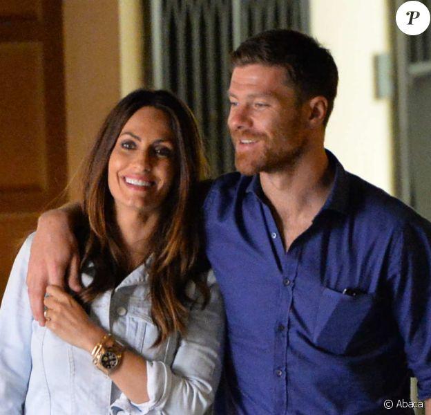 Xabi Alonso et sa femme Nagore Aramburu en vacances à Portofino (Italie) le 14 juillet 2014.