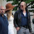 """Johnny Depp et sa fiancée Amber Heard - Amber Heard rend visite à son fiancé Johnny Depp sur le tournage de """"Black Mass"""" à Lynn dans le Massachusetts le 21 juillet 2014."""