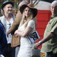 """Amber Heard - Amber Heard rend visite à son fiancé Johnny Depp sur le tournage de """"Black Mass"""" à Lynn dans le Massachusetts le 21 juillet 2014. Amber Heard était accompagnée de sa soeur Whitney."""