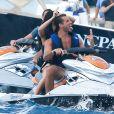 Selena Gomez célèbre son 22e anniversaire et s'offre une séance jet-ski avec le beau Tommy Chiabra, Saint-Tropez, le 22 juillet 2014.