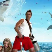 Rob Lowe : Tout en muscles face à des requins sanguinaires dans un clip déjanté