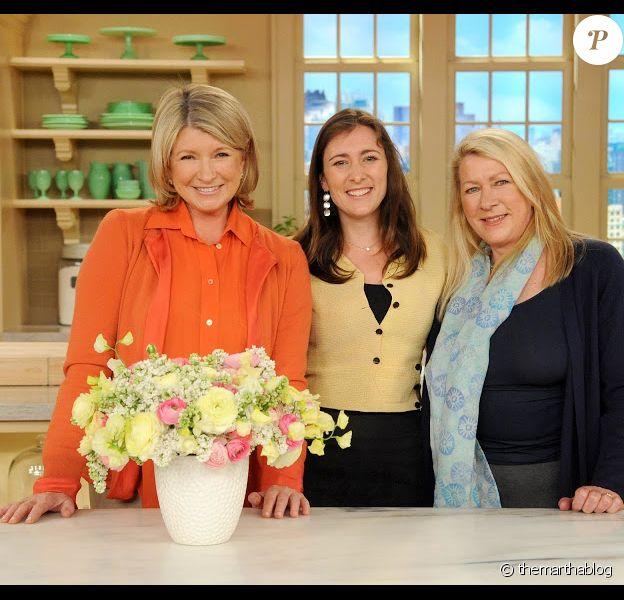 Martha Stewart entourée de sa soeur Laura et sa nièce Sophie, sur le plateau de son émission.