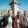 Exclusif - Jean-Paul Belmondo, son fils Paul et le producteur Cyril Viguier ont déjeuné au café de l'Alma pour fêter la concrétisation du documentaire qui va être tourné pour TF1 sur Jean-Paul Belmondo, le 20 mars 2014