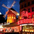 Vue du célèbre cabaret le Moulin Rouge à Paris en juillet 2009.