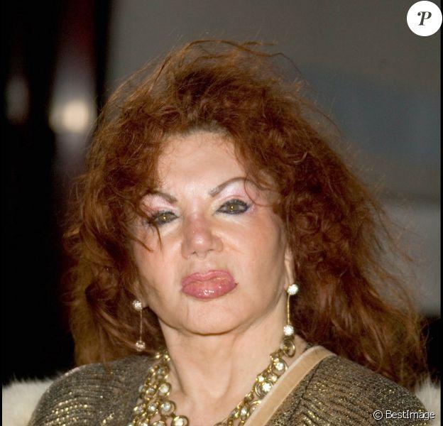 Jackie Stallone, mère de Sylvester, entre dans l'émission Celebrity Big Brother à Londres en 2005