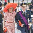 Le roi Philippe et la reine Mathilde de Belgique, audacieuse en orange, ont assisté, accompagnés de leurs enfants Elisabeth, Gabriel, Emmanuel et Eléonore, le 21 juillet 2014 au Te Deum de la Fête nationale en la cathédrale Saints Michel-et-Gudule, à Bruxelles.