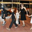 Pax Thien Jolie-Pitt, Shiloh Jolie Pitt, Knox Leon Jolie-Pitt, Angelina Jolie, and Vivienne Jolie-Pitt à Tokyo, le 21 juin 2014