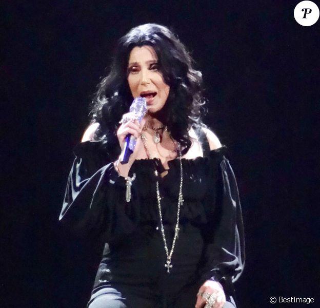 """Cher en concert au MGM Grand Arena à Las Vegas, le 25 mai 2014, pour la tournée """"Dressed to Kill tour""""."""