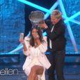Kim Kardashian relève l'Ice Bucket Challenge, aidée d'Ellen Degeneres. Los Angeles, le 28 août 2014.