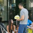Roselyn Sanchez, Eric Winter et Sebella au Farmers Market de Studio City, Los Angeles, le 7 septembre 2014