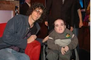 Howard Stern pleure la mort de son ami handicapé, les stars émues
