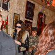 Justin Bieber et Kendall Jenner mangent chez Ferdi à Paris, le 30 septembre 2014