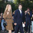 Natalia Vodianova et son compagnon Antoine Arnault arrivent à la Fondation Louis Vuitton pour assister au défilé Louis Vuitton printemps-été 2015. Paris, le 1er octobre 2014.