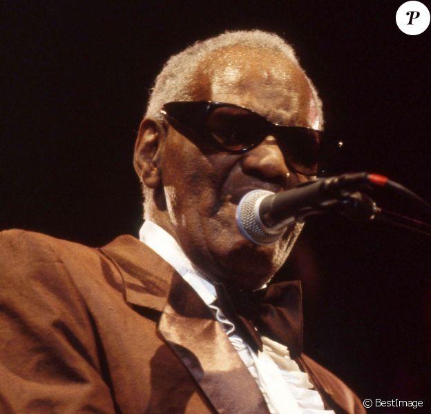 Archives - Ray Charles en concert au palais des congrès à Paris en 2001.
