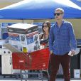 Exclusif - Rachel Bilson, enceinte, et son compagnon font du shopping dans un magasin de bricolage à Los Angeles, le 8 octobre 2014.