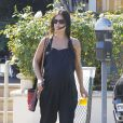 Exclusif - Rachel Bilson, enceinte, fait du shopping à Los Angeles, le 8 octobre 2014.
