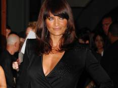 PHOTOS : Helena Christensen ose le micro short... waouh !