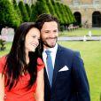 Le prince Carl Philip de Suède et Sofia Hellqvist lors de leurs fiançailles le 27 juin 2014, à Stockholm. Leur mariage aura lieu le 13 juin 2015.