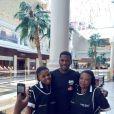 Senzo Meyiwa et ses fans - photo publiée sur son compte Twitter le 9 septembre 2014