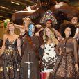 Ingrid Chauvin, Adeline Blondieau, Clara Morgane, Aïda Touihri lors du défilé du 20ème Salon du Chocolat à la Porte de Versailles à Paris, le 28 octobre 2014.