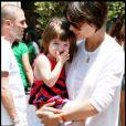 Katie Holmes et sa fille Suri à Los Angeles, le 19 juillet 2008.