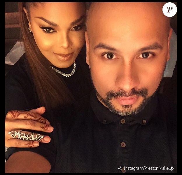 Janet Jackson a fait apparition sur les réseaux sociaux en compagnie de son maquilleur, le 5 novembre 2014.