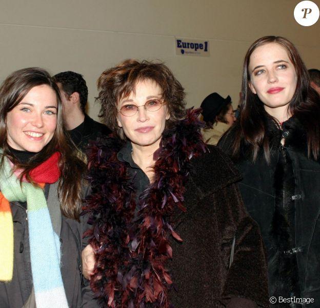 Marlène Jobert et ses deux filles Joy et Eva Green à Paris le 29 janvier 2005