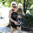 Fergie avec son fils Axl à Santa Monica, le 6 novembre 2014.
