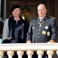La princesse Charlène de Monaco, enceinte de huit mois de jumeaux, est apparue au côté du prince Albert II au balcon du palais princier le 19 novembre 2014 lors de la célébration de la Fête nationale monégasque.
