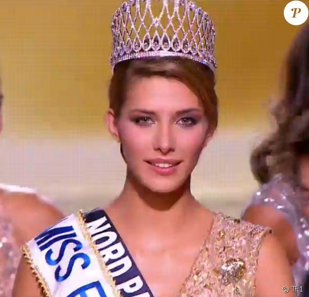 Camille Cerf (Miss Nord-Pas-de-Calais) est sacrée Miss France 2015, lors de la cérémonie de Miss France 2015 sur TF1, le samedi 6 décembre 2014.