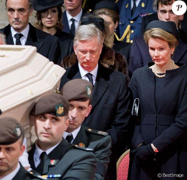 Le roi Philippe et la reine Mathilde de Belgique - Obsèques de la reine Fabiola de Belgique en la cathédrale des Saints Michel et Gudule à Bruxelles. Le 12 décembre 2014