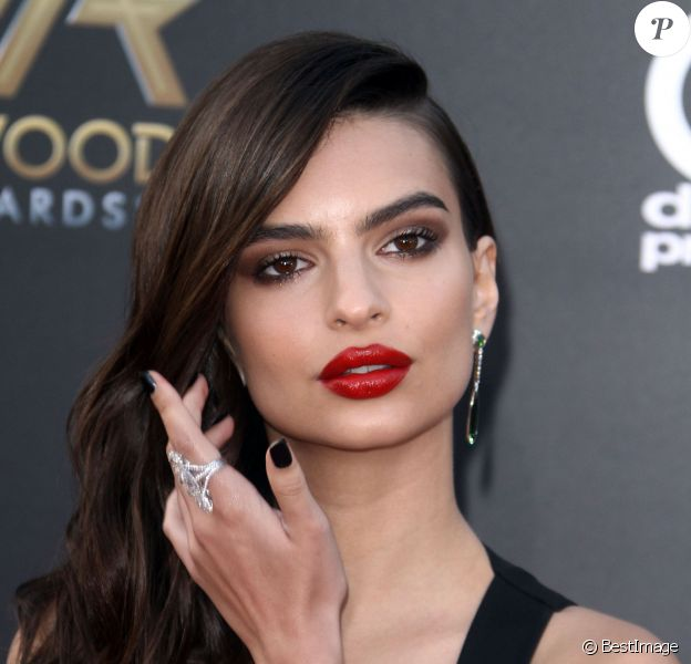 "Emily Ratajkowski - 18ème gala annuel ""Hollywood Film Awards"" à Hollywood, le 14 novembre 2014."