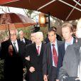 Exclusif - Shimon Peres accueilli par Antoine Guélaud (Directeur de la rédaction de TF1 et président de l'association) pour l'événement organisé par Le Cercle des Médias, à Paris le 17 décembre 2014.