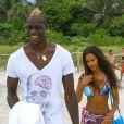 Mario Balotelli et sa jolie fiancée Fanny Neguesha en vacances à Miami le 6 juillet 2014.
