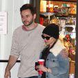 Exclusif - Christina Aguilera et son fiancé Matthew Rutler font leur shopping au Beverly Glen Market à Los Angeles. Le 21 décembre 2014