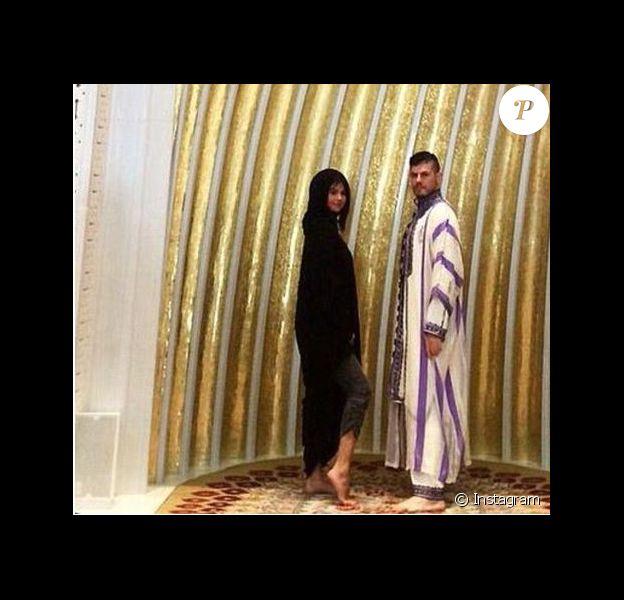 Selena Gomez en visite à la mosquée Cheikh Zayed à Abou Dabi, le 1er janvier 2014