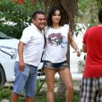"""Exclusif - Michelle Rodriguez et ses amis explorent la grotte """"Gran Cenote"""", à Talum au Mexique, avant de plonger dans ses eaux claires, le 30 décembre 2014."""